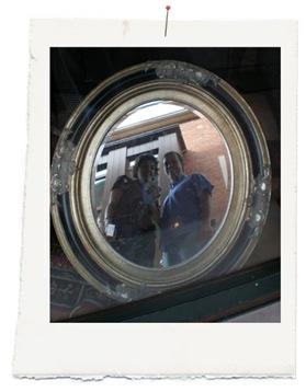 imagen reflejada en el espejo copia
